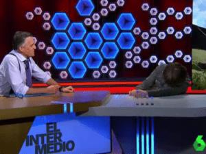 Read more about the article Jordi Évole pateix un atac de 'cataplexia' en directe a 'El Intermedio' i descol·loca al presentador