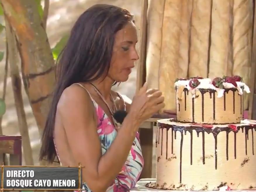 You are currently viewing <span>PASTÍS 'FAKE'</span> La recompensa més amarga d'Olga Moreno a 'Supervivientes'